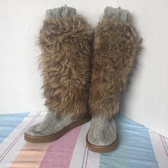 430432cc781 Victoria s Secret mukluk tall fur slippers. Sz 7 8.  M 5afccb933a112e18e336226a